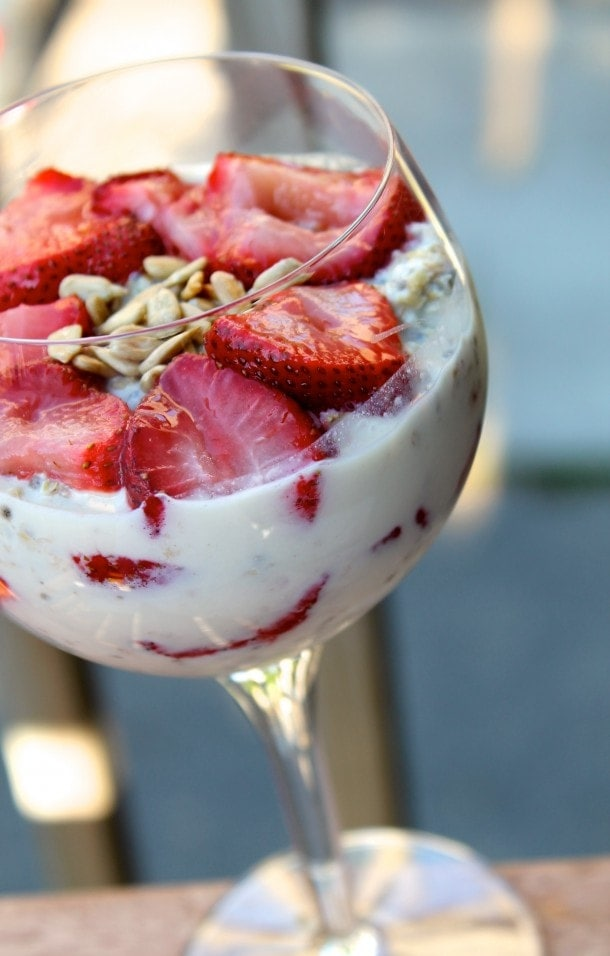 Roasted strawberry overnight oats