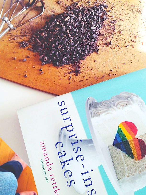 Surprise-Insides Cakes by Amanda Rettke