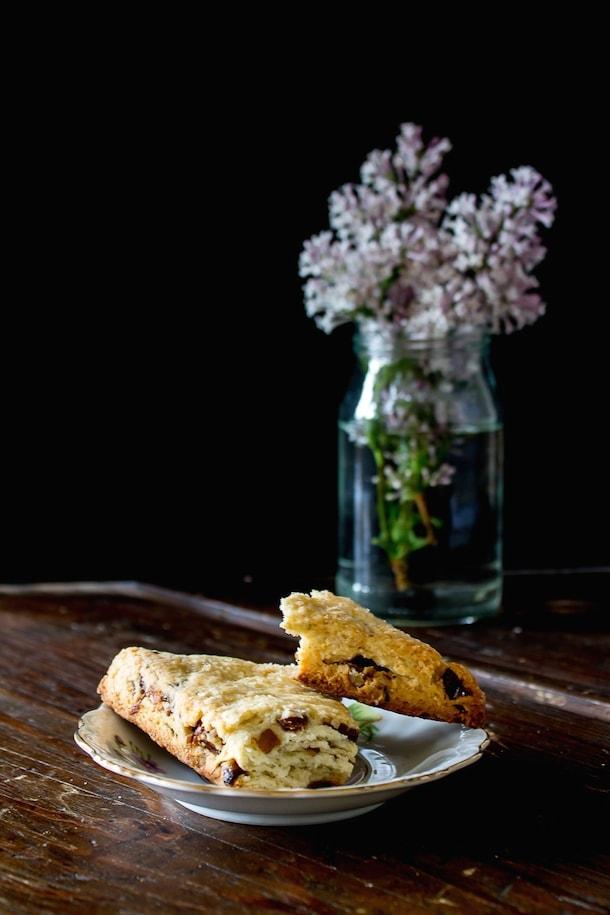 Lavender, Date & Pecan Scones {glutenfree}