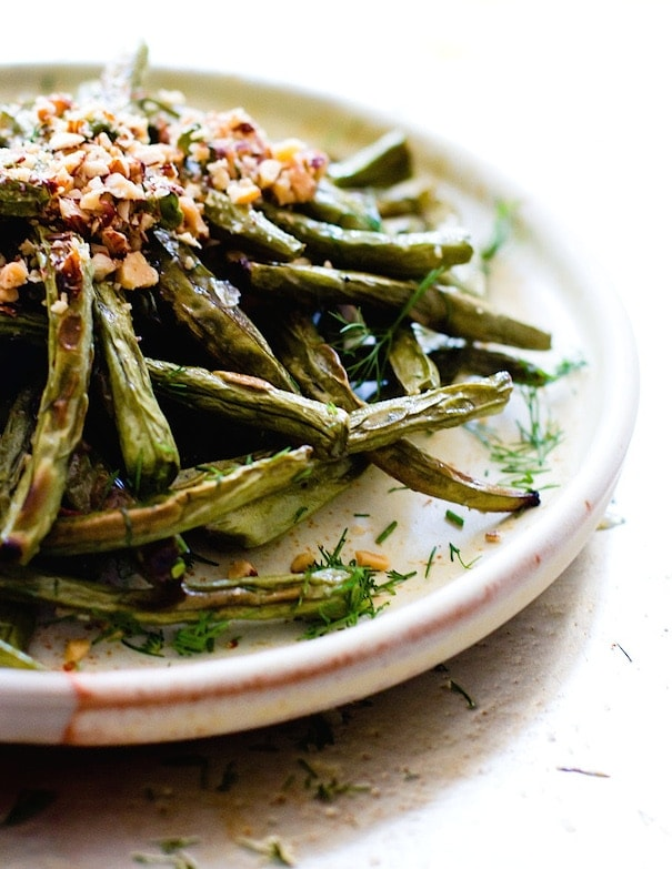 5 Ingredient Blistered Green Beans with Crushed Almonds {gluten-free, vegan}