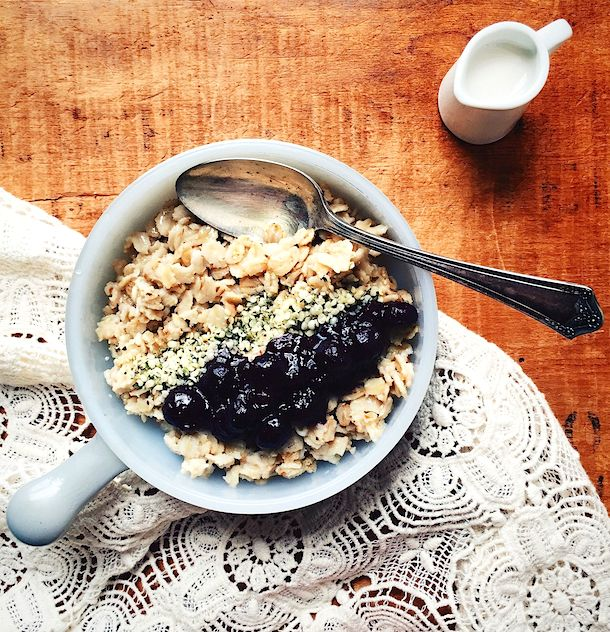 Ghee Toasted Oatmeal with Blueberries