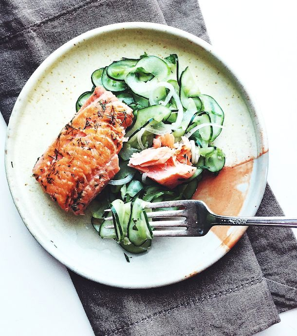 Seared Salmon with Spiralized Cucumber Noodles {paleo}