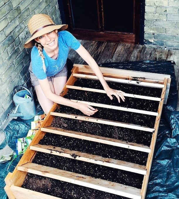 How to Build a Vertical Garden {via heartbeet kitchen}