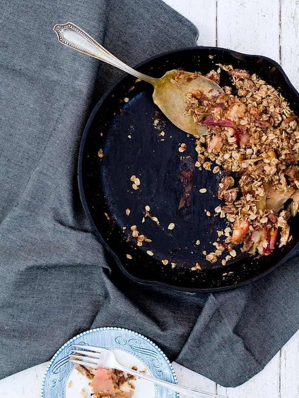 Campfire Apple Crisp (made in cast-iron skillet)