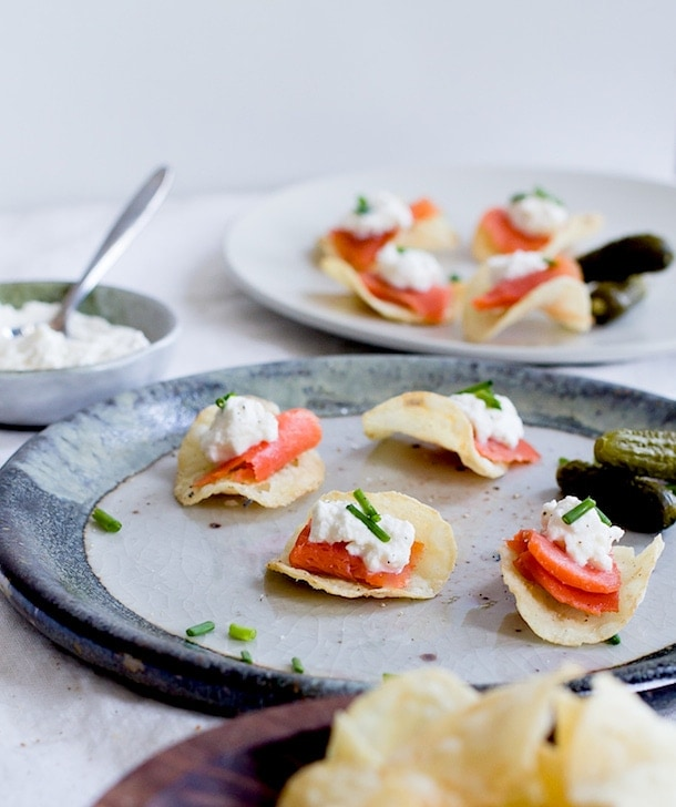 {5 minute} Smoked Salmon & Horseradish Ricotta Potato Chip Bites