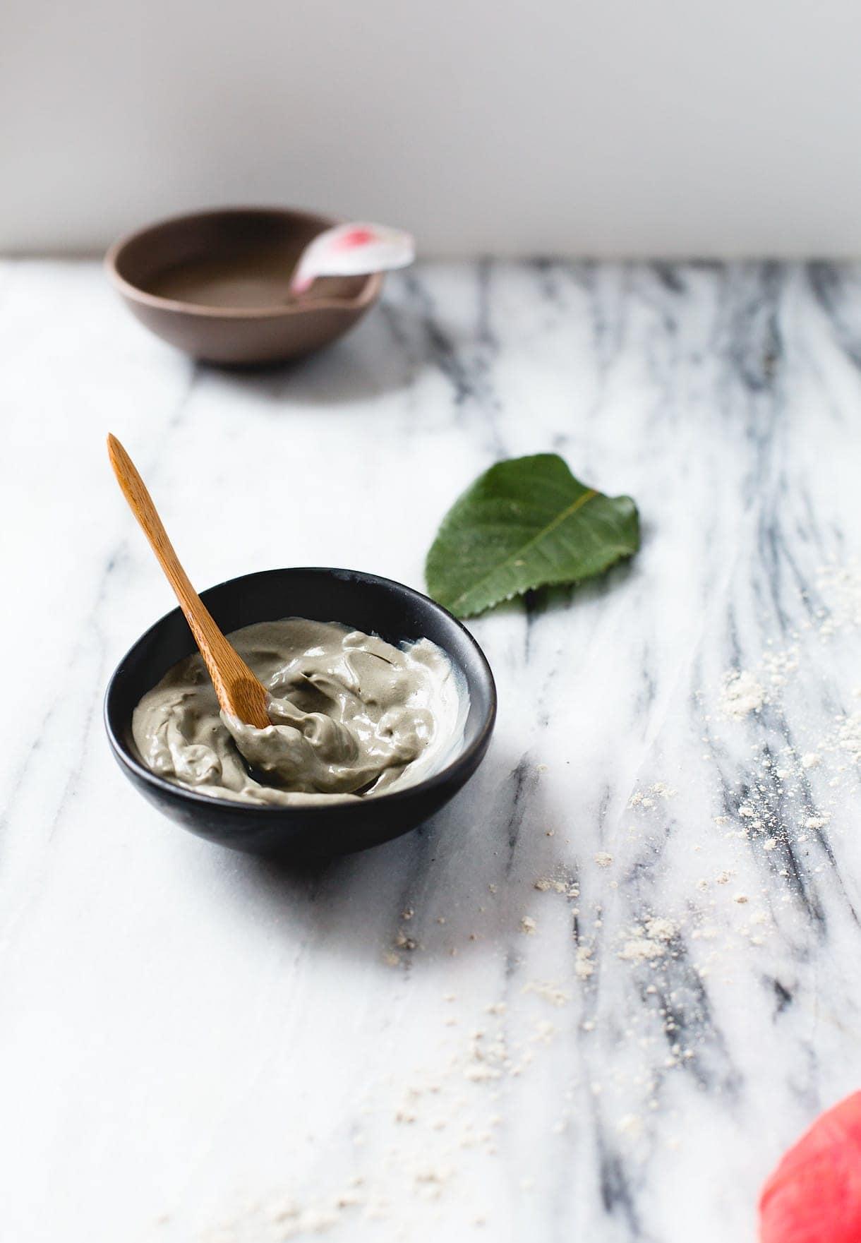 Moisturizing DIY Clay Mask {3 ingredients, natural skincare}