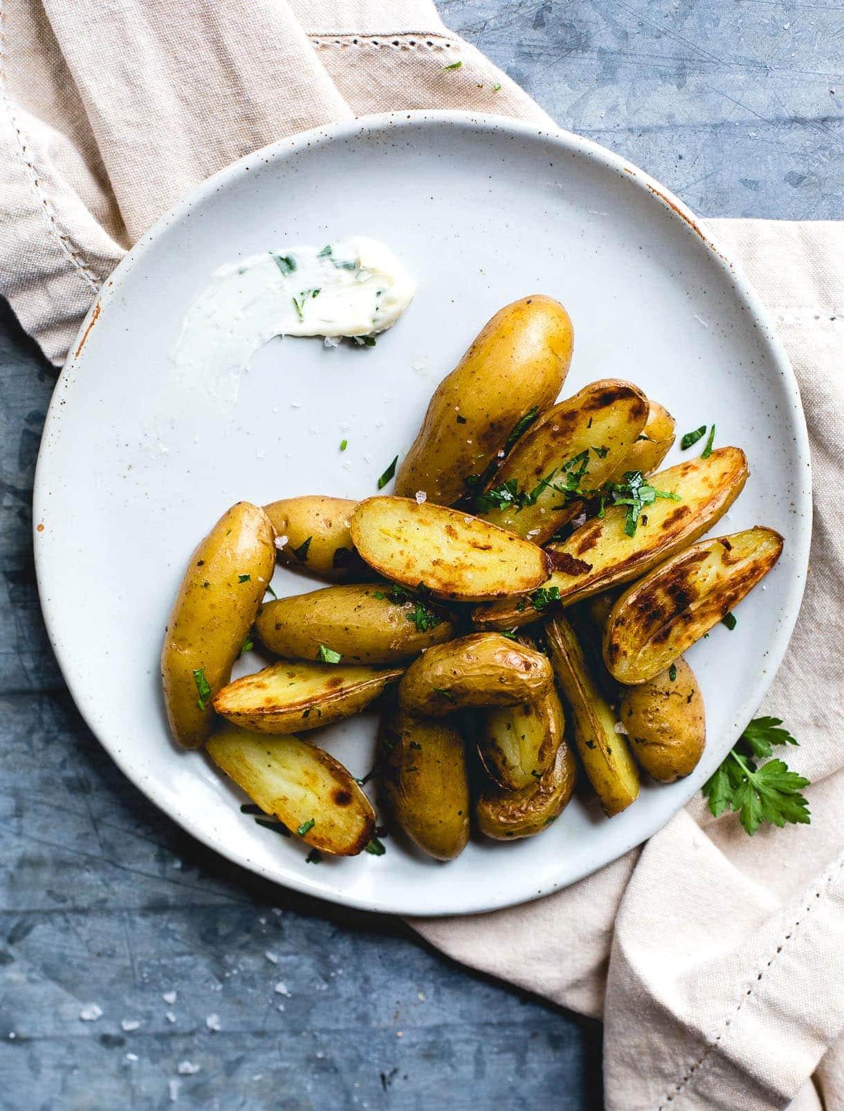 Crispy Garlic Butter Fingerling Potatoes {gluten-free}
