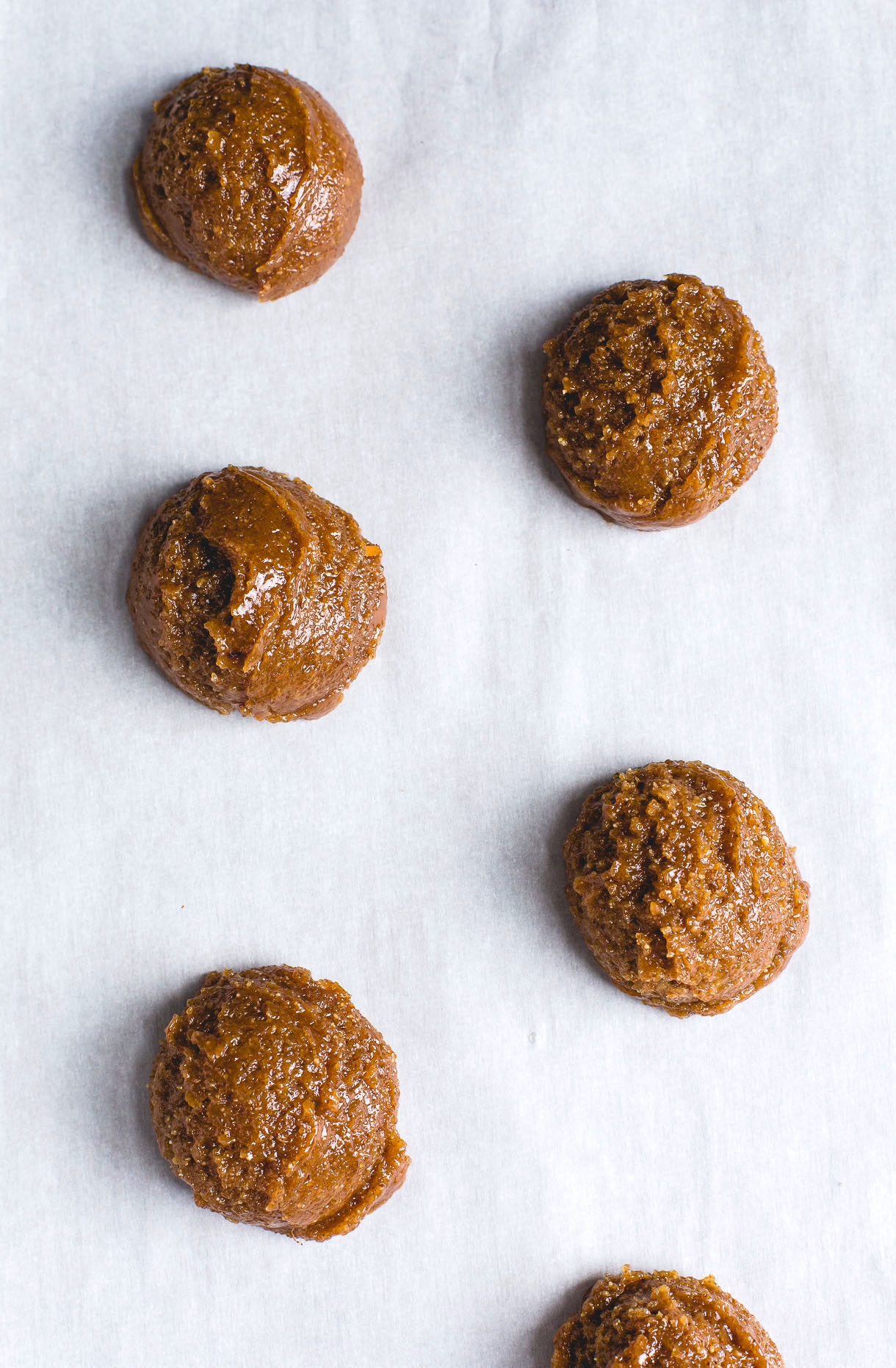 5 Ingredient Flourless Almond Butter Cookies