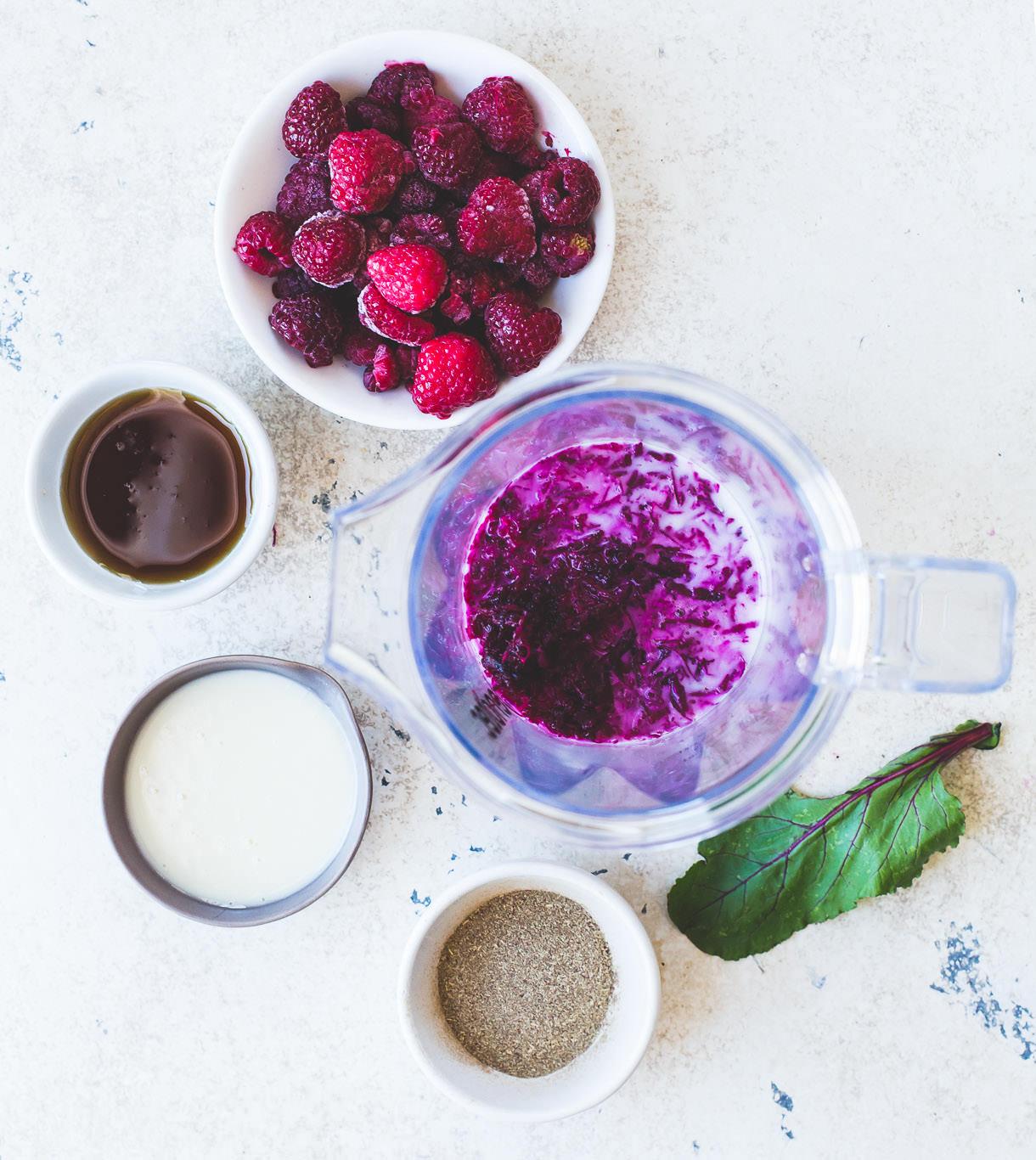 Raspberry Heartbeet Smoothie {vegan}