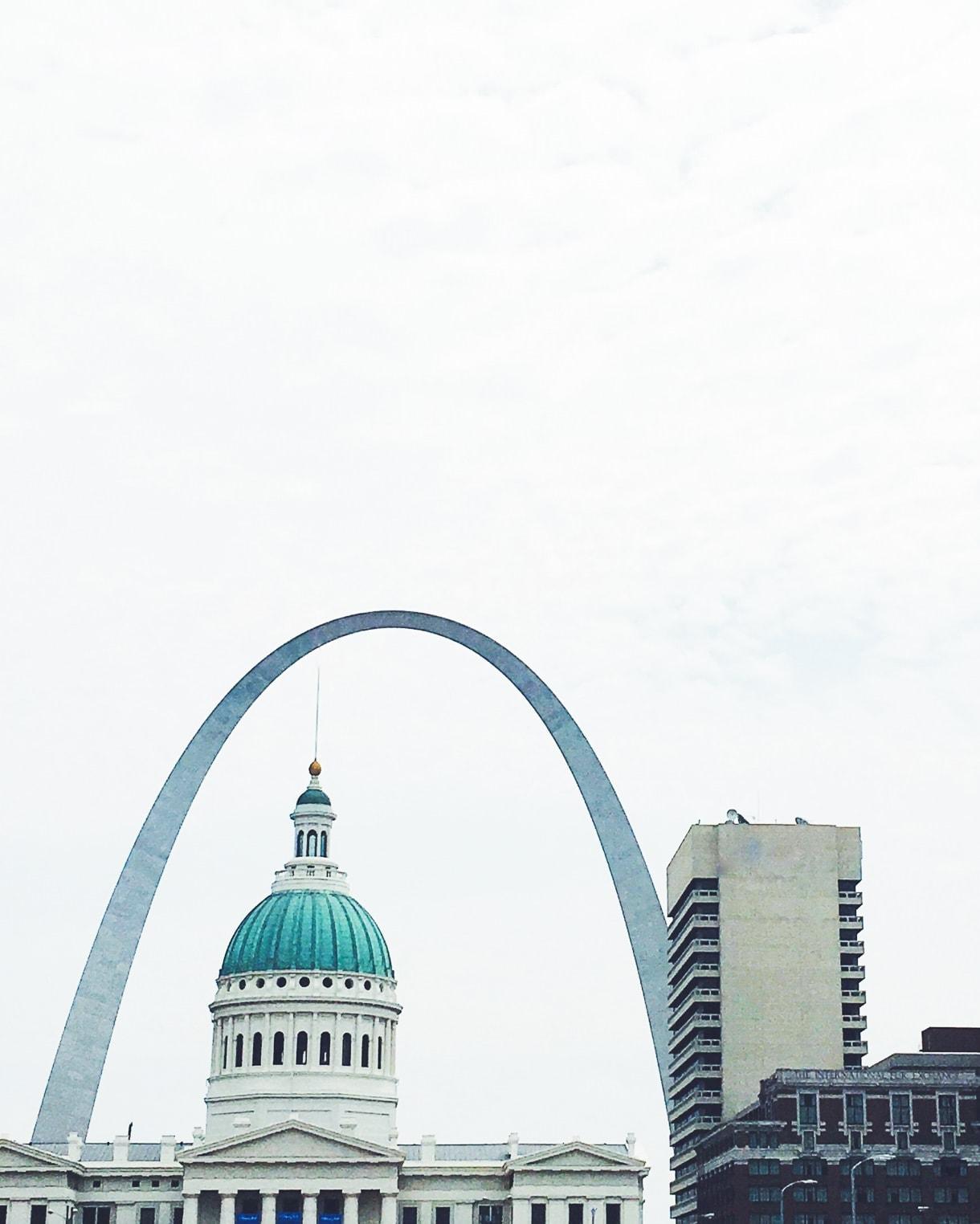 saint louis arch skyline