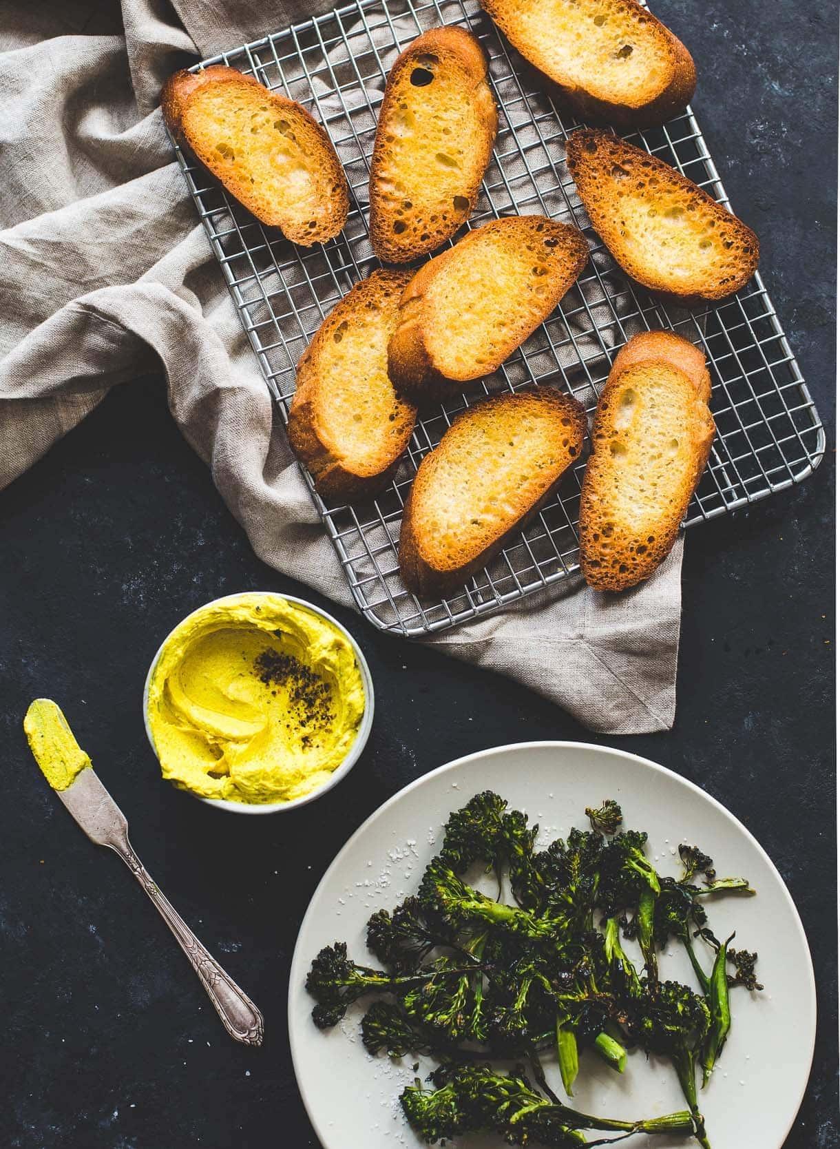broccoli-turmeric-crostini-3