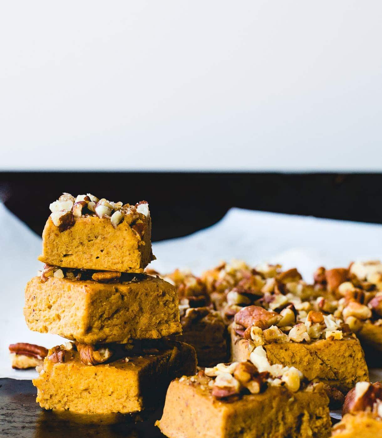 Magic Vegan Pumpkin Pie Fudge {paleo and sweetened with maple syrup}