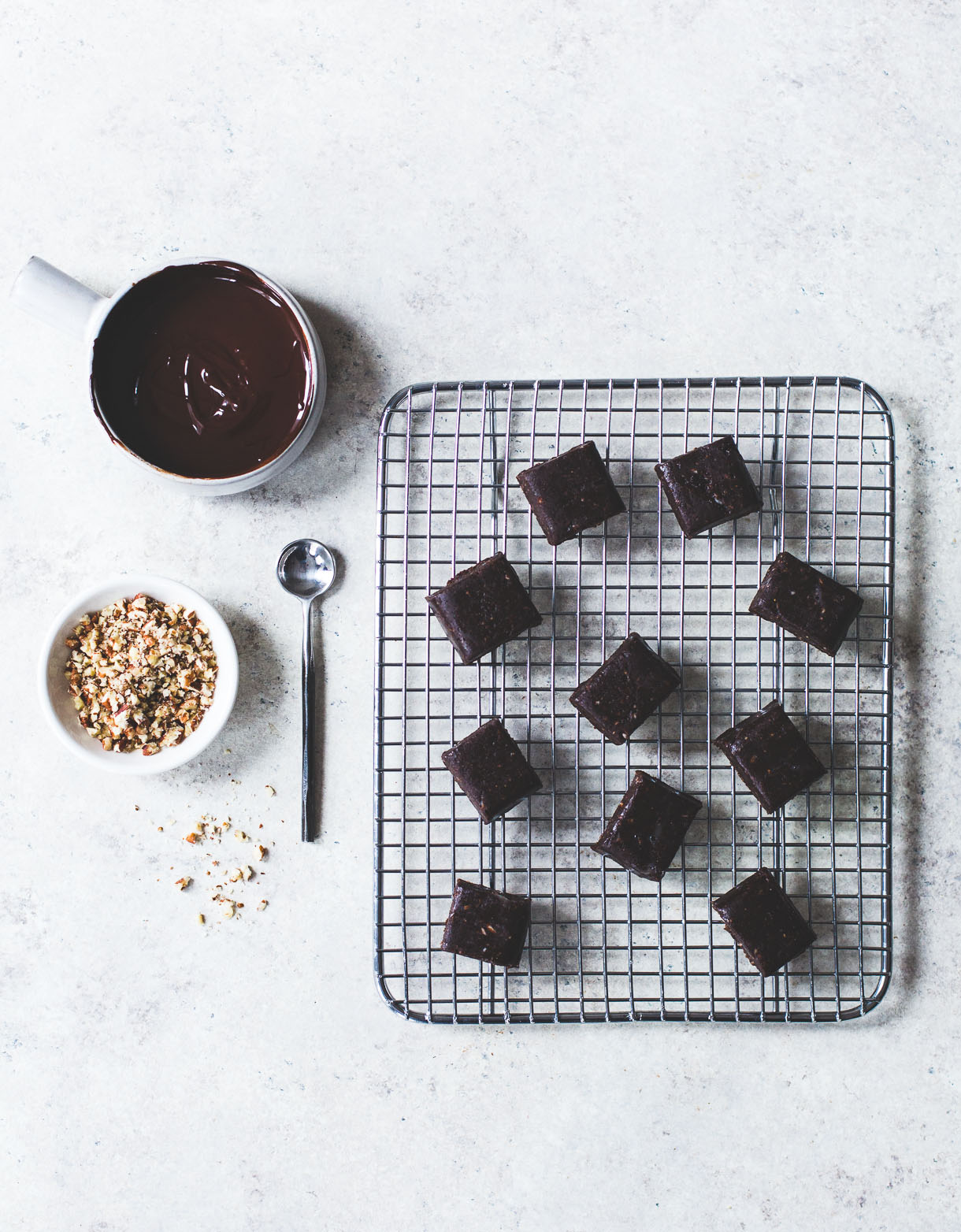 {ALMOST RAW} VEGAN DOUBLE CHOCOLATE CARAMELS