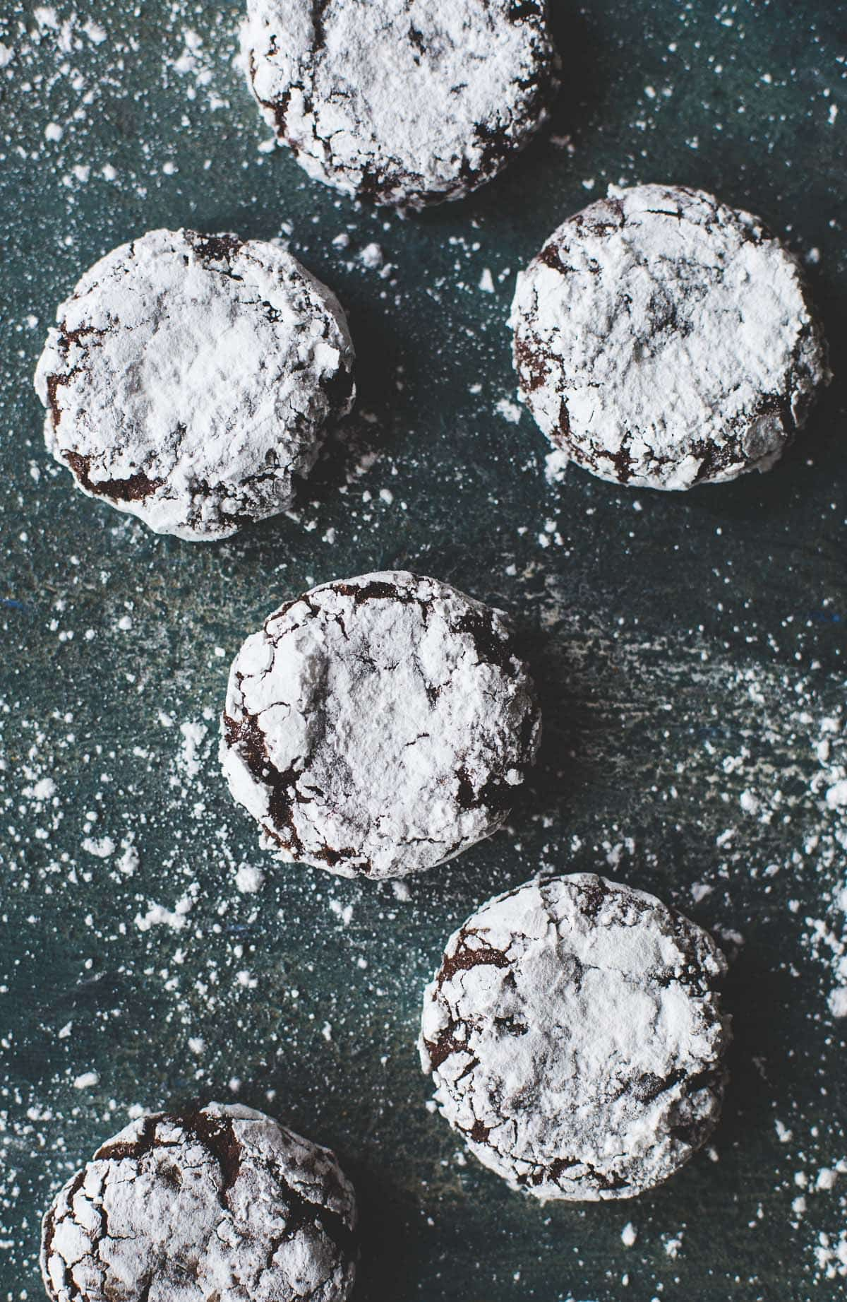 Fudgy Peppermint Chocolate Crinkle Cookies -- the browniest, holiday cookie {made with teff flour}