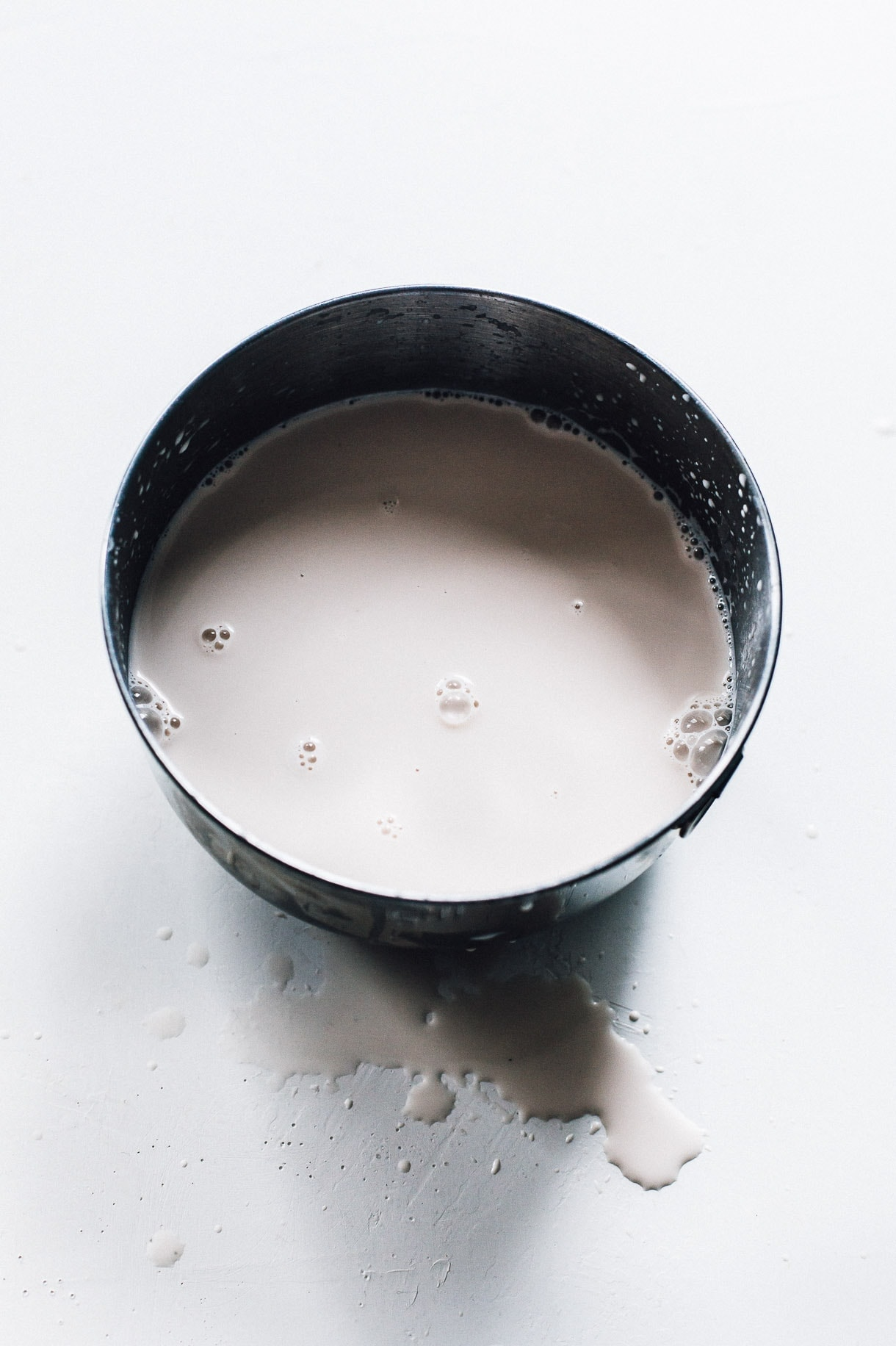 HOW TO MAKE ANY HOMEMADE NUT MILK, with easy step-by-step instructions