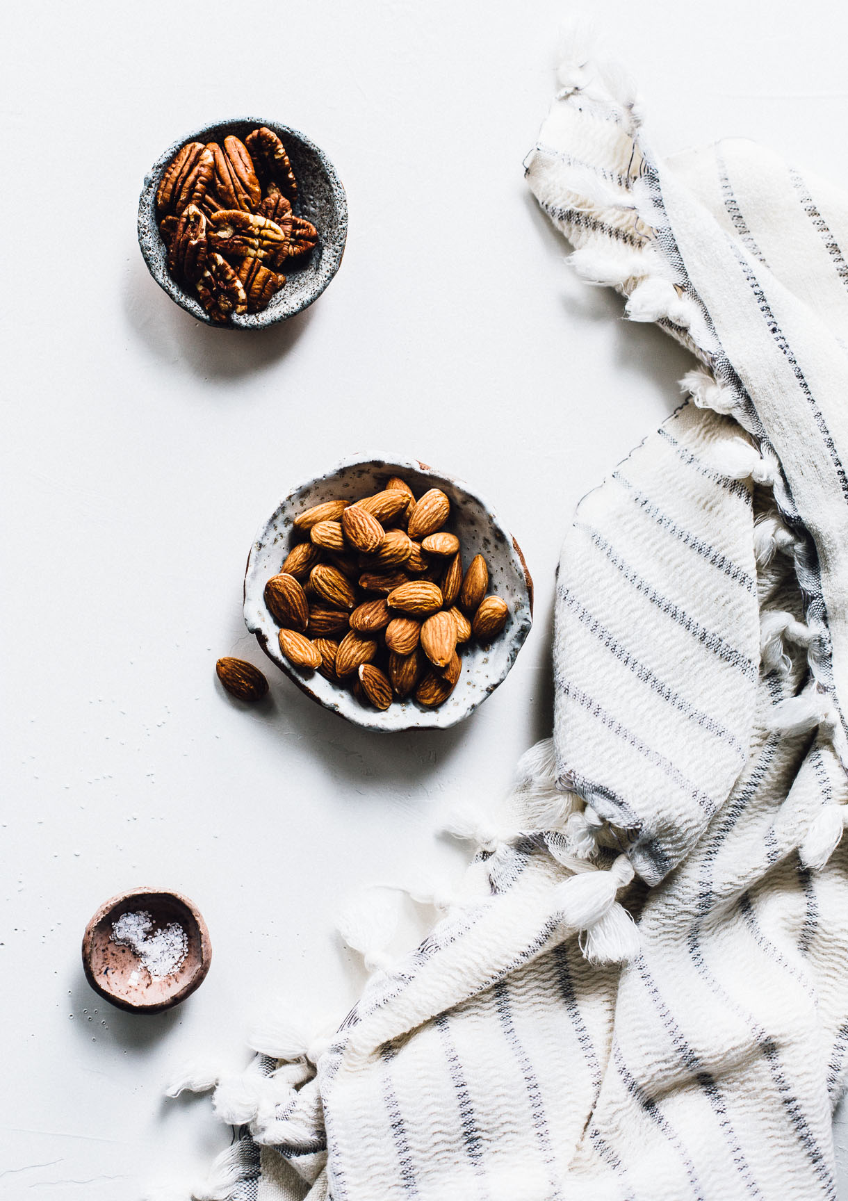 Homemade Almond Pecan Milk recipe : dairy-free milk, plant milk