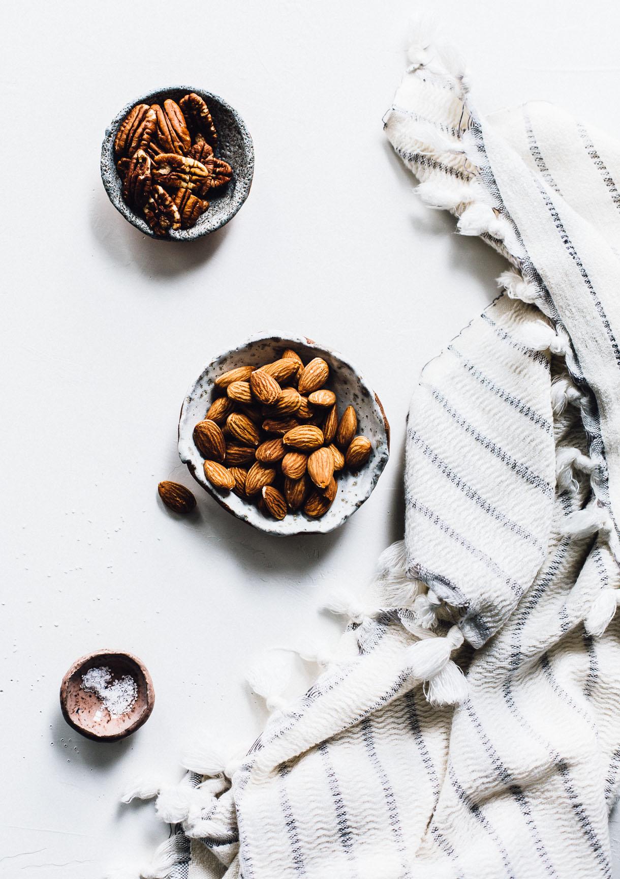 Homemade Almond Pecan Milk recipe : dairy-free milk, plant milk