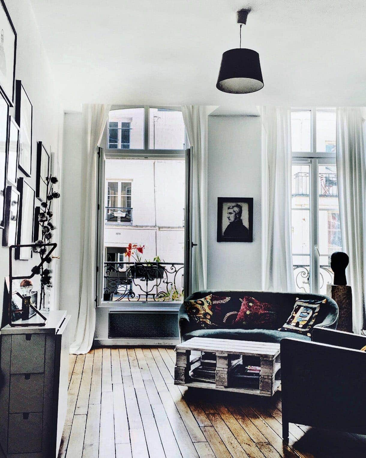 Spontaneous Travel In Paris: AirBnB loft