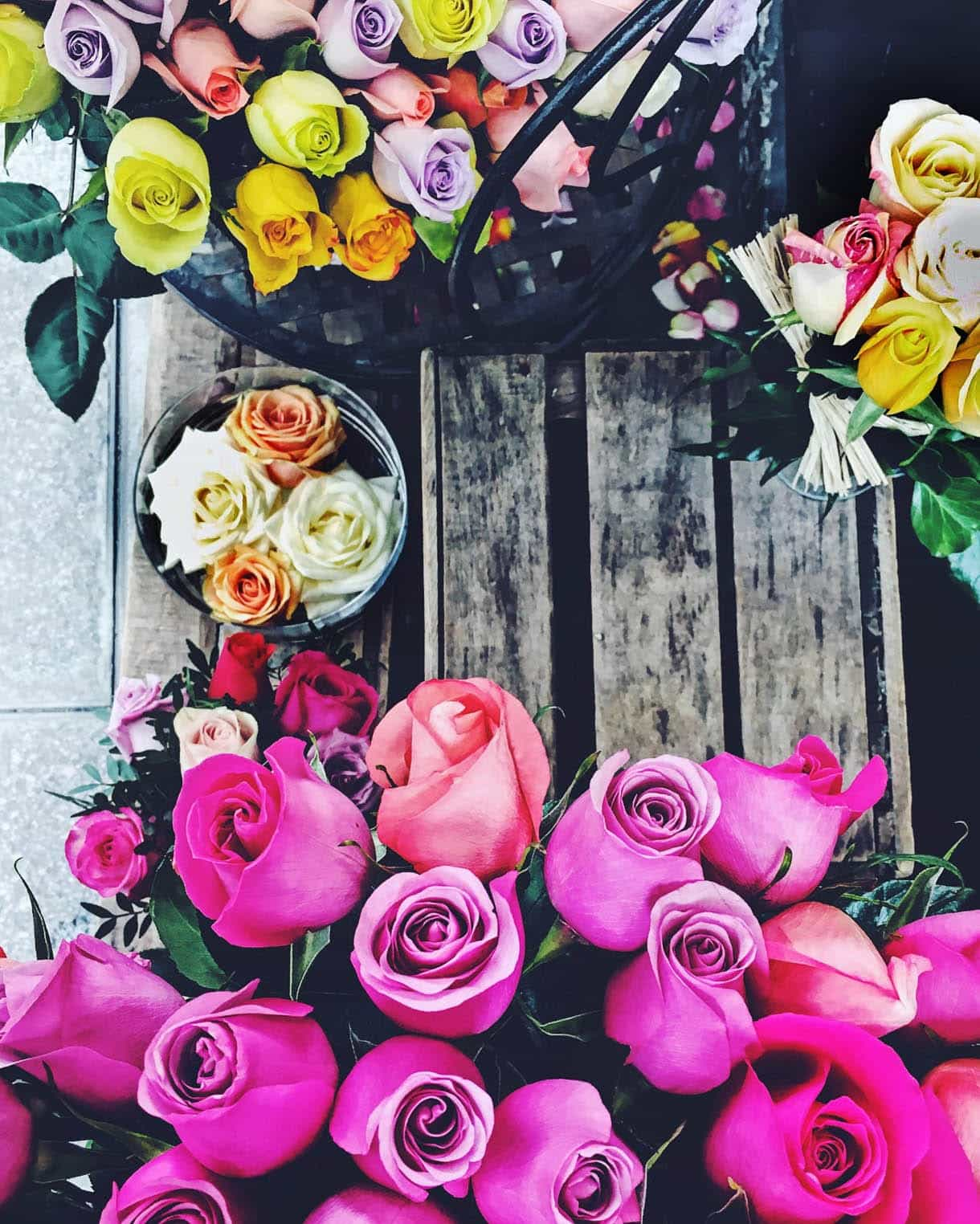 A Paris vacation without plans: Flower Market in Paris - rose bouquet