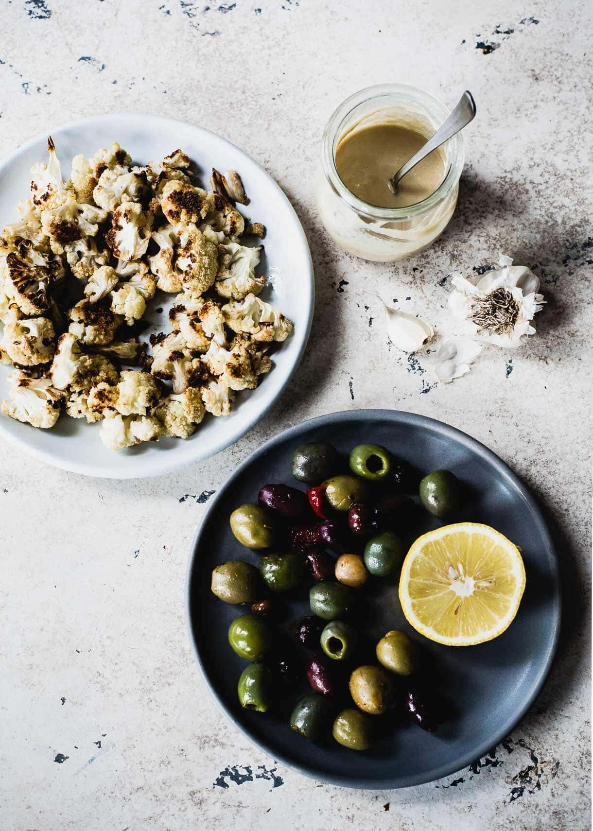 Creamy Roasted Cauliflower Dip {with olives and herb as a topping} vegan and #dairyfree