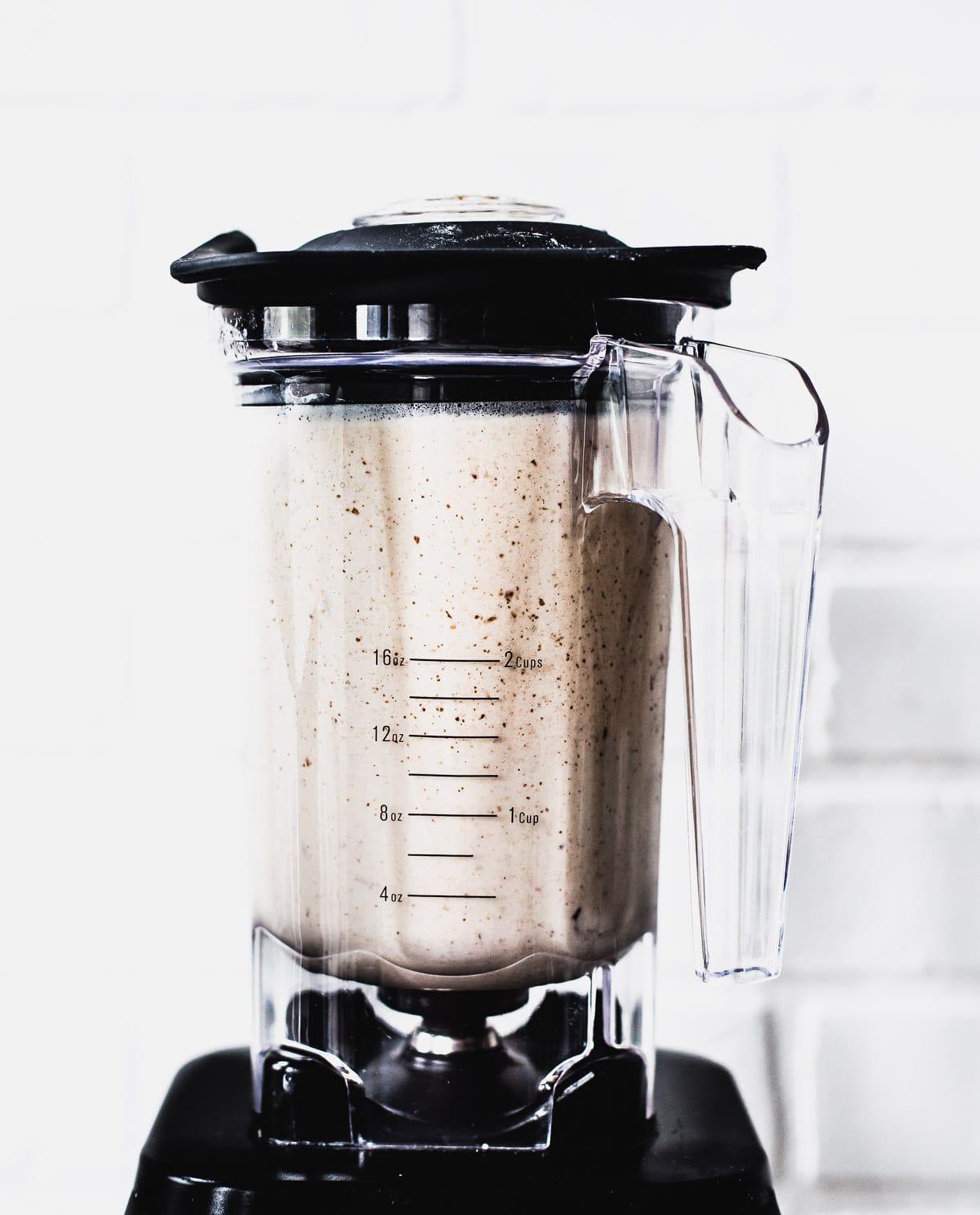 Vegan Walnut Cacao Milkshake