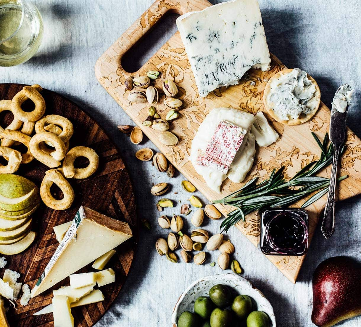 How to Make an Italian Cheese Plate, with wine pairings