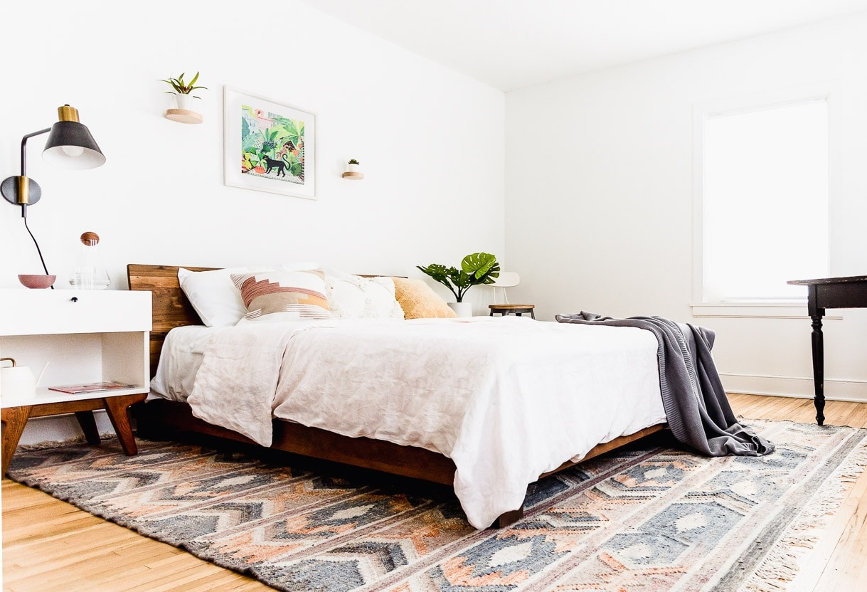 Heartbeet Home: A Cozy Minimalist Bedroom without Clutter on Minimalist Bedroom  id=95864