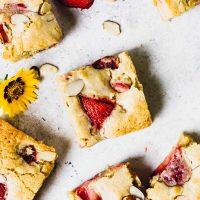 Gluten-Free Strawberry Blondie Bar Recipe