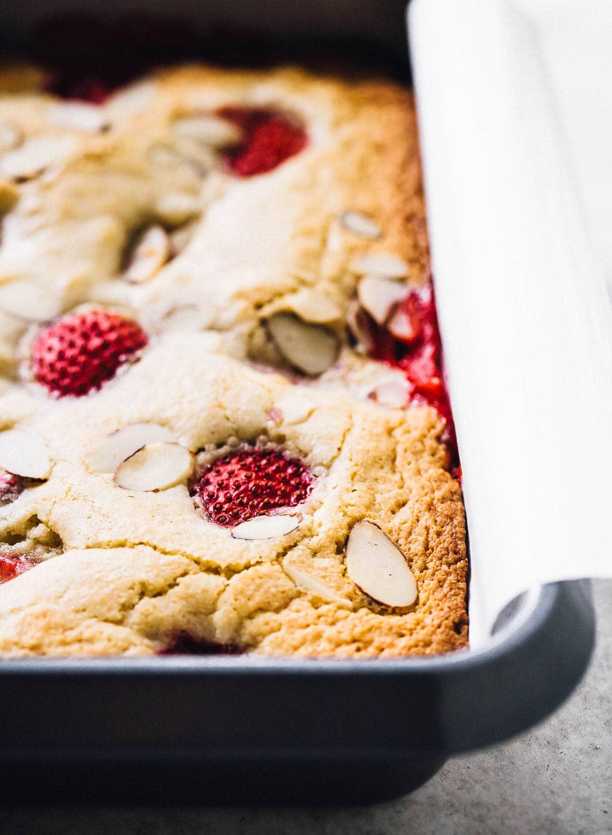 White Chocolate Strawberry Blondie Bar Recipe