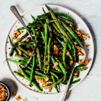 Spicy Green Beans with Sesame Walnuts