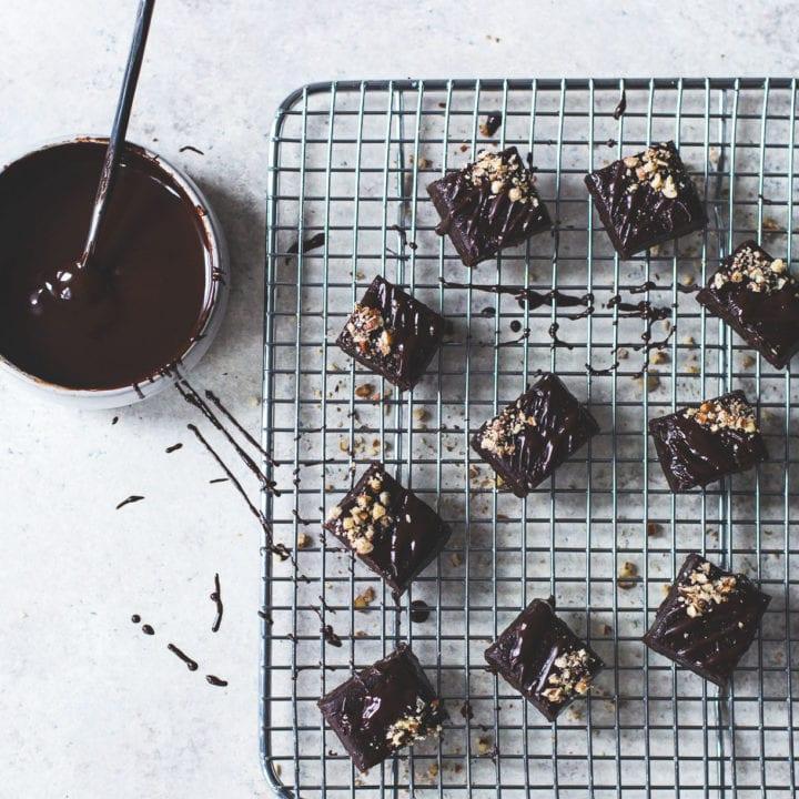 No-Bake Healthy Vegan Brownies Bites
