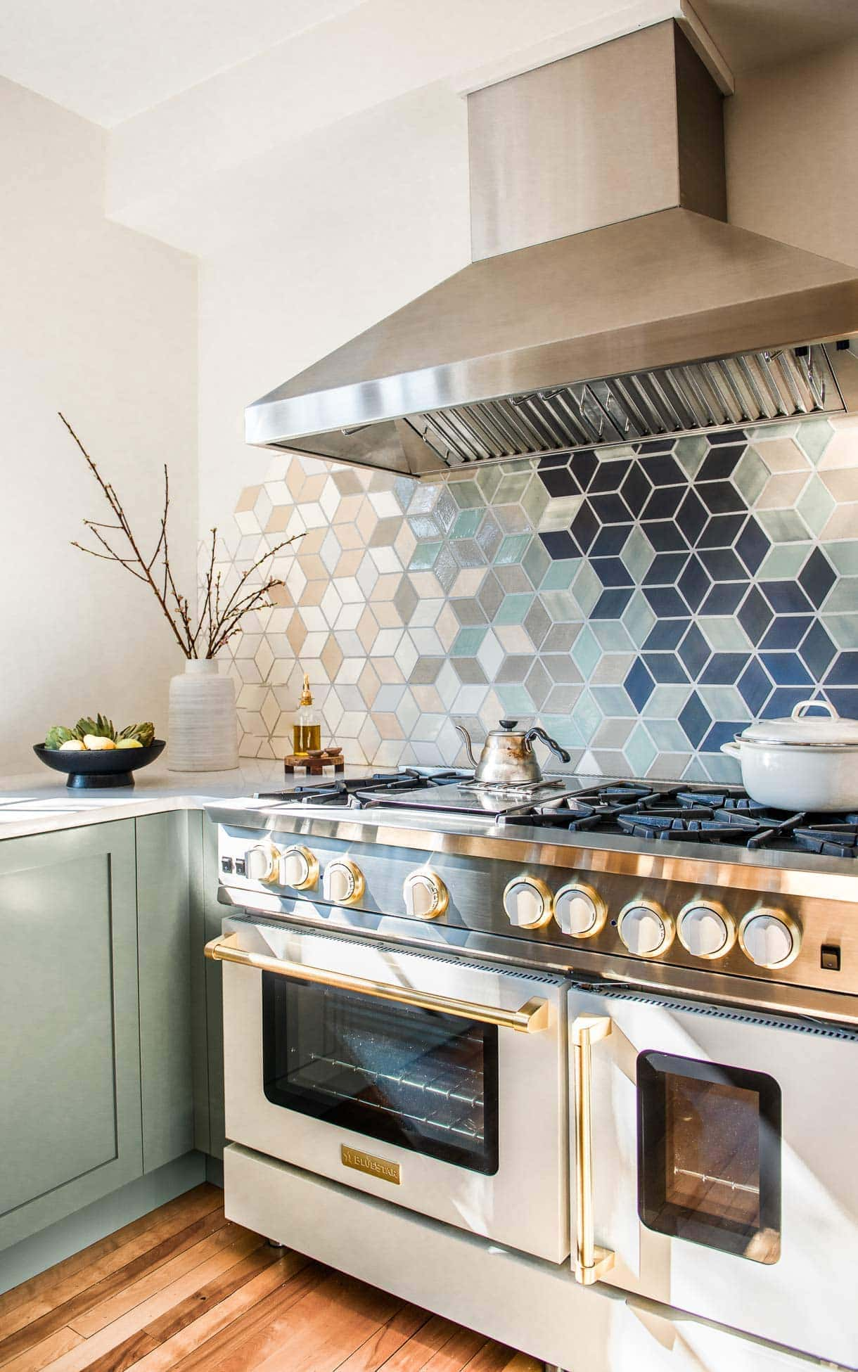 modern u-shaped kitchen with white walls, frameless window, open shelving